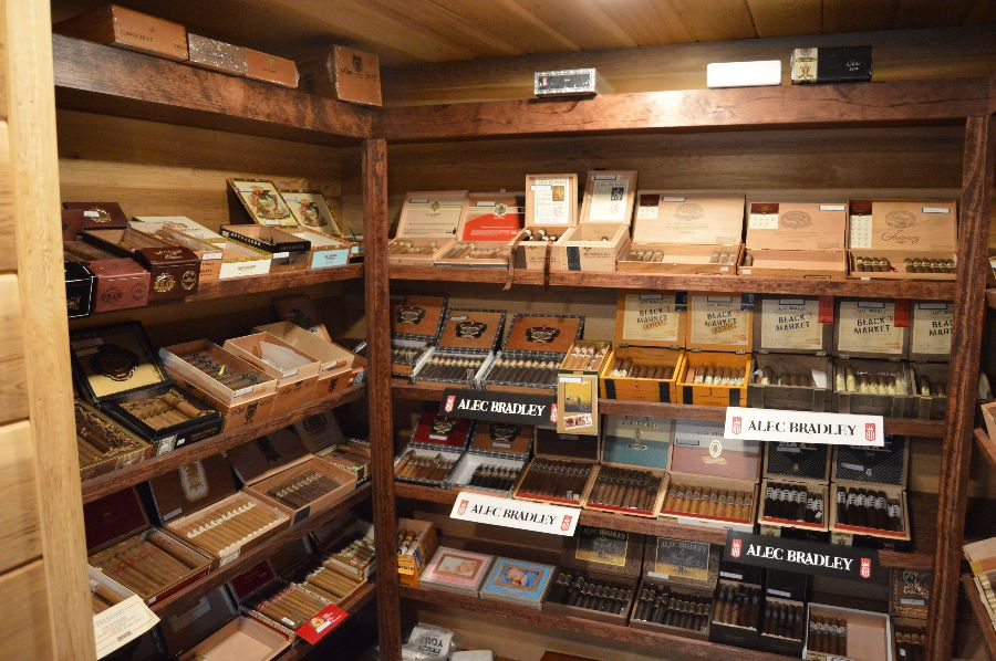 smoke-stack-cigar-shop-cigars-ri-024