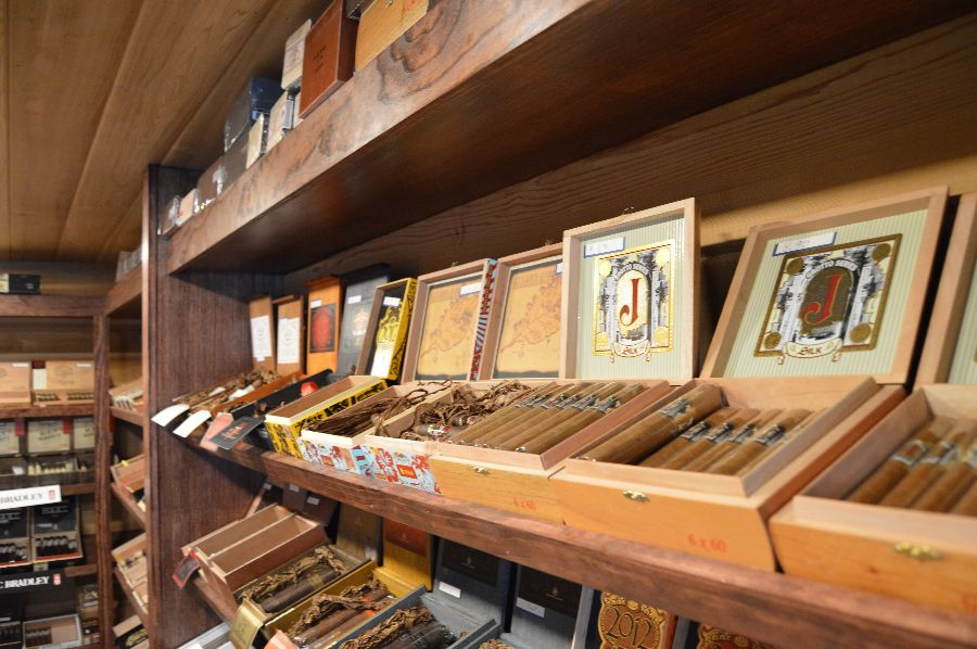 smoke-stack-cigar-shop-cigars-ri-027