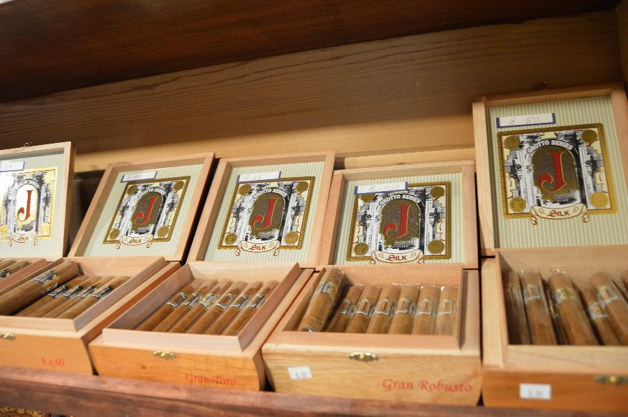 smoke-stack-cigar-shop-cigars-ri-028